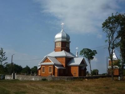 Choć w dzień powszedni cerkwie zdają się opuszczone, są bardzo zadbane. Na zdjęciu Cerkiew Opieki Matki Bożej w Zubaczach, kilkanaście kilometrów na południe od Czeremchy.